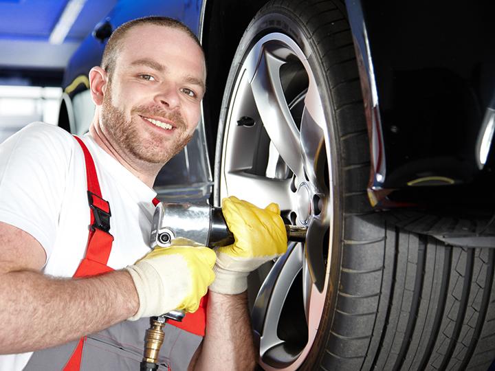 Vi skifter din bils hjul og opbevarer gerne dem du ikke bruger.