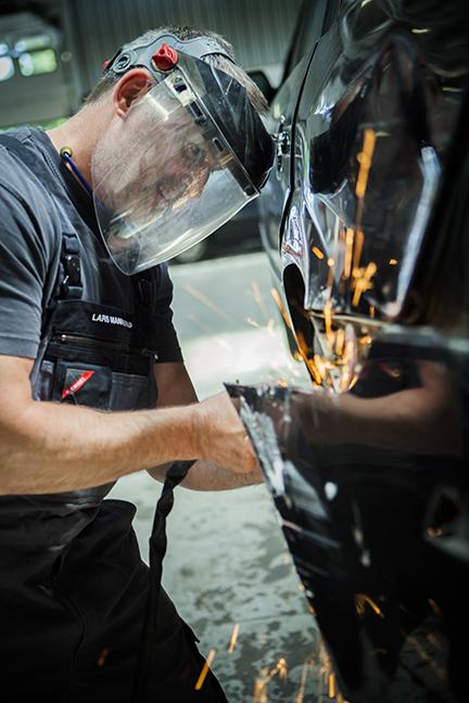 Daugaard Skadecenter får din skadede bil på vejen igen